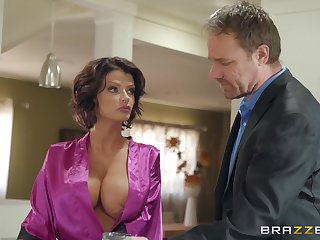 Joslyn James adores when the brush lover cum on the brush tits probe in favour sex