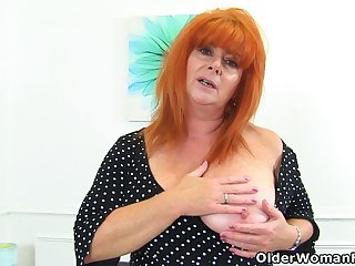 English milf Ginger Tiger fingers her wet trumped up