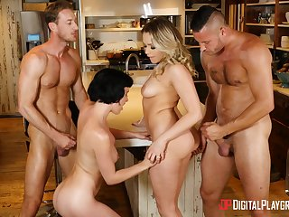 Mia with nice ass coco riding in group coitus porn