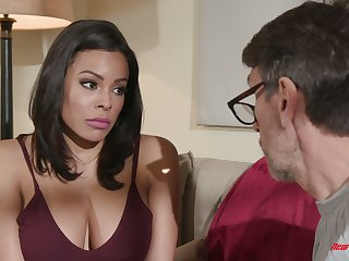 Colombian pet Luna Star hooks up with elder neighbor while scrimp is on a topic trip