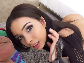 Man eating babe in arms Aaliyah Hadid gives a blowjob and gets her anus nailed hard