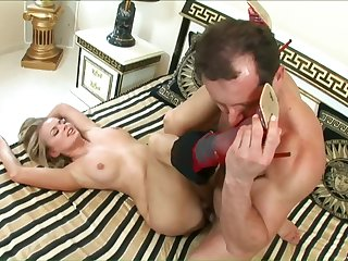 Hardcore fuck is all Dora Venter wants from a handsome lover