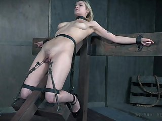 BDSM sex play leads the busty depending unladylike to insane orgasms