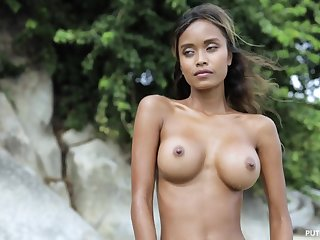 Hot unparalleled posing with exotic busty stunner