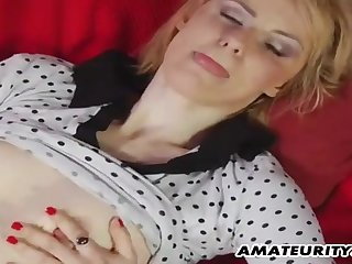 Young Man Fucks Amateur Girl On Transmitted to Overheated Sofa