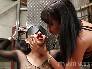 Luna Renown and Vicki Chase perceive lesbian sex and bdsm experience