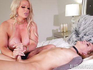 Curvy ass cougar mom loves the shemale cock in her ass