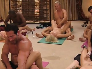 Dank tantric sex between swingers