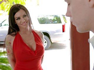 Having seduced toff prex MILF Melissa Lynn gives him a nice blowjob