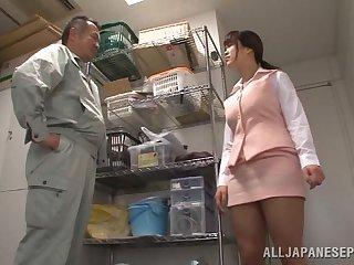 Japanese wifey Miyuki Matsushita drops on her knees to give head