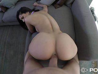 Tall Latina cutie wastes itsy-bitsy time in getting a beamy cock inside her cunt