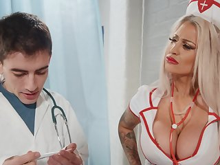 Seductive nurse flexuosities turn this way fine ass for cock